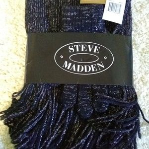 Steve Madden Women's NWT Scarf & Gloves Gift Set
